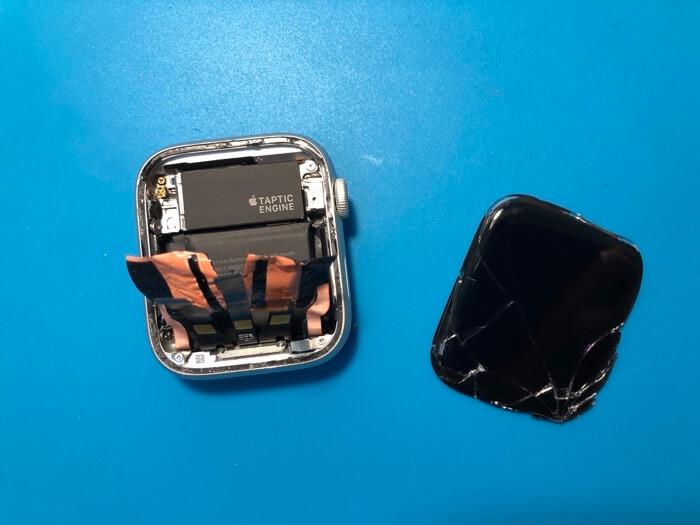 замена дисплея Apple Watch Series 4